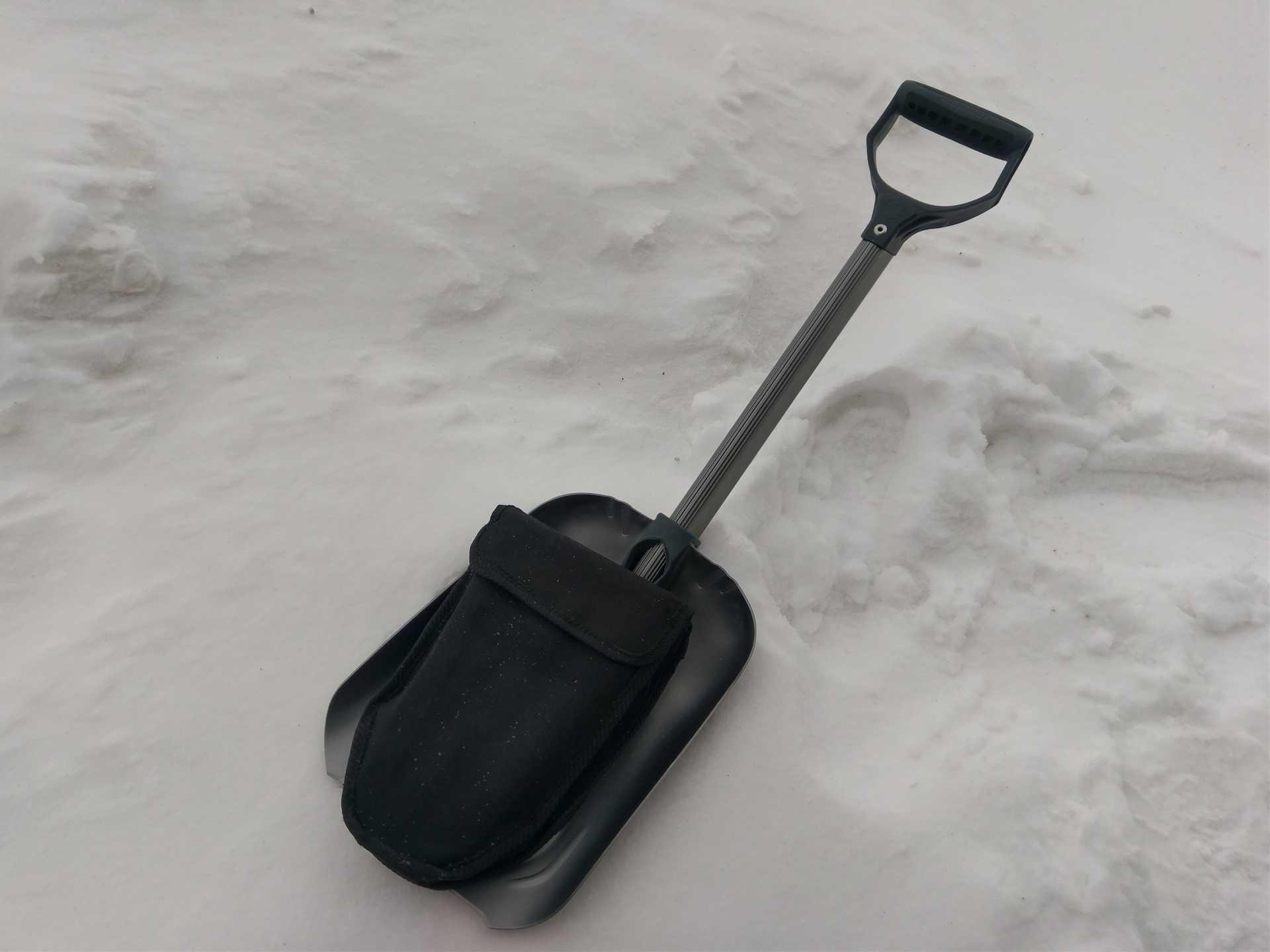 Все о складных лопатах